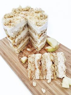 Milk Bar's Apple Pie Cake - Cake by Courtney As many of you know by now, my love for Milk Bar's collection of cakes runs deep. I've made nearly half a dozen… Italian Cookie Recipes, Baking Recipes, Cake Recipes, Dessert Recipes, Sweets Recipe, Frosting Recipes, Momofuku Cake, Momofuku Milk Bar, Milk Bar Cake