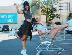 LOOKSLY - Lih Florencio e Larissa Lahw com looks em preto e branco do Verão 2017