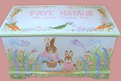 Bunny Toy Chest with Mommy Bunny  and Baby por originalsbybarbmazur