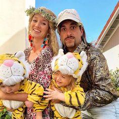 Family Themed Halloween Costumes, Family Costumes For 3, Tiger Halloween Costume, Twin Halloween, Cute Halloween Costumes, Halloween 2020, Women Halloween, Pretty Halloween, Halloween Parties