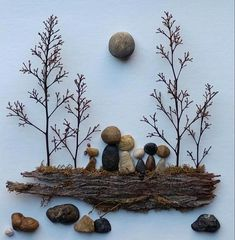 Pebble Art Family, Wall Art, Family Pebble Art, Unique Pebble Art, Pebble Art Id. Pebble Art Family, Family Wall Art, Family Family, Rock Family, Family Painting, Art Et Nature, Nature Crafts, Stone Crafts, Rock Crafts