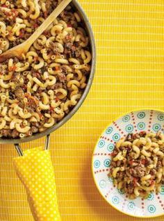 Calling all pasta lovers! We've got 20 delicious recipes to try. Whether you're a fan of a simple mac & cheese or enjoy a more adventurous shrimp pad thai, we've got something for everyone. Beef Macaroni, Macaroni Recipes, Yummy Pasta Recipes, Beef Recipes, Great Recipes, Cooking Recipes, Favorite Recipes, Yummy Food, Recipies
