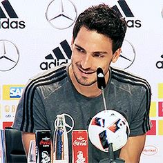 Sweet baby ❤ Mats Hummels, Mr Perfect, Fifa World Cup, Sweet Dreams, Face, Soccer, Sports, Football, Athlete