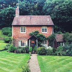 Stayed in a cottage like this in the Why Valley. Lovely