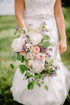 Wedding flowers - Scott & Emily | fabulous backyard wedding » Deidre Lynn Photography Blog