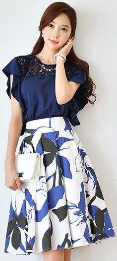 StyleOnme_Floral Print Cotton Flared Skirt #blue #floral #elegant #feminine #summer #koreanfashion #kstyle #kfashion #seoul #dailylook