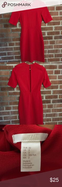 🆕H&M Red Dress NWOT red dress with sleeves and slit in back from H&M. New and never worn! 🌟Open to reasonable offers!🌟 H&M Dresses Midi