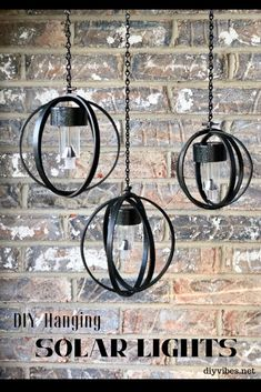 These DIY hanging solar lights are made from embroidery hoops. Use solar lights . - These DIY hanging solar lights are made from embroidery hoops. Use solar lights from the dollar store to make these adorable hanging lights. Diy Solar, Solar Light Crafts, Solar Led, Solaire Diy, Diy Luz, Solar Licht, Diy Lampe, Vintage Industrial Furniture, Industrial Style