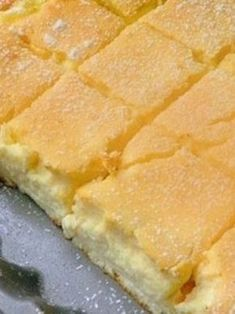 Zutaten: 500 g feine Quark 450 g Sauerrahm 100 g Butter (Raumtemperatur) 8 Eier 7 EL glattes Mehl 7 EL … Continued (Butter Brownies Cake) Sweet Recipes, Cake Recipes, Dessert Recipes, Cottage Cheese Desserts, Cheese Pies, Butter Cheese, Czech Recipes, Gateaux Cake, Hungarian Recipes
