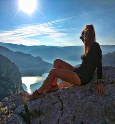 Thank you Trail running for the views you give me  : @rbkdc -    #Trailrun #trailrunning #ultrarunning #ultratraining #mountainrunning #traillove #getofftheroad #trailchix #runforlife #skyrunning #runnersworld #runnerscommunity #runnerslife #runhappy #runforfun #runninggirl #runningwoman #iloverunning #runforlife #TrailRunner #instarunners #strongwomen #outdoorwomen #seekthewild #alpinebabes #inspiringwomenrunners #runningterritory #womensrunningcommunity #nature #optoutside