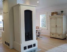 Yhdistelmäuuni, jossa erillinen takka ja leivinuuni intergroidulla hellalla Home Decor, Home, Decor, Fireplace