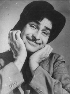 Remembering Raj Kapoor on his 29th death anniversary. (02-06)