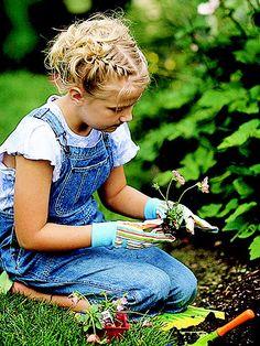 teach your grandkids how to start a garden