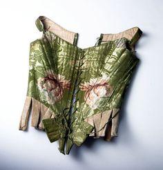 Green silk stays, sweden