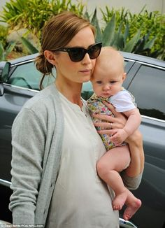 Mama style. Emily Blunt with daughter Hazel.