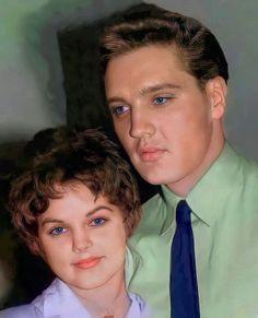 Elvis Presley Biography, Elvis Presley Young, Elvis Und Priscilla, Elvis Presley Pictures, Elvis Presley Family, Young Elvis, Priscilla Presley, Judy Holliday, Freddy Rodriguez