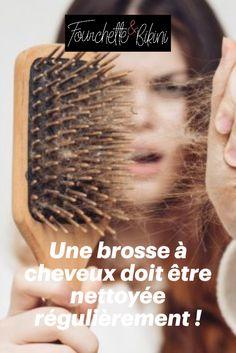 Une vidéo devenue virale sur Tik Tok prouve l'importance de bien nettoyer sa brosse à cheveux. En effet, résidus de produits capillaires, poussière et autres saletés accumulées élisent domicile sur un accessoire non régulièrement nettoyé. Beurk ! Hair Products, Beauty Tricks, Cleanser, Hair
