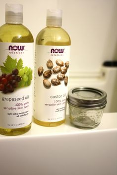 The best way to achieve clear, glowy and butter-soft skin, 100% naturally! Castor Oil & Grapeseed Oil, with a 1:3 ratio