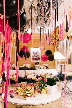 Las Vegas Bachelorette Party | Photo by Jennifer Young Studio | Design by Geronimo Balloons | Read more: http://www.100layercake.com/blog/2015/02/02/las-vegas-bachelorette-party-pink-gold-geronimo-balloons/