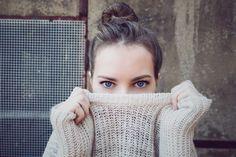 Piękne oczy to duma każdej z nas. Zadbaj o ich oprawę z marką Anna Pikura. Polecamy:  Serenology – luksusowy krem przeciwzmarszczkowy pod oczy.  Działanie: • spłyca głębokie zmarszczki i likwiduje drobniejsze, • polepsza jędrność, sprężystość i napięcie skóry, • odmładza, zwiększając zawartość prawidłowo zbudowanego kolagenu w skórze, • przywraca właściwe nawilżenie, • rozjaśnia cienie i poprawia koloryt cery, • działa silnie przeciwrodnikowo, hamuje proces starzenia się skóry, itd
