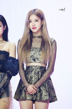 Discovered by -ˏˋ sᴏ ᴡʜᴀᴛ ˊˎ-. Find images and videos about rose and blackpink on We Heart It - the app to get lost in what you love. Kim Jennie, Kpop Girl Groups, Kpop Girls, Girls Generation, Rose And Rosie, Rose Bonbon, Rose Icon, Rose Park, Blackpink Photos
