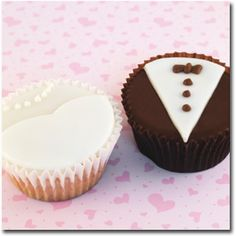 Wedding Cupcakes - Pictures of Wedding Dessert Bars Love the chocolate fondue fountain idea! Cupcake Wedding Favors, Wedding Dress Cupcakes, Dessert Bar Wedding, Unique Wedding Favors, Wedding Desserts, Brownie Wedding Cakes, Wedding Gifts, Wedding Candy, Party Favors