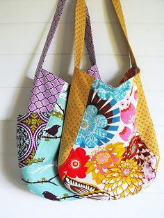 Love these versions of the 241 Tote by Anna Graham. (This weekend's project!)