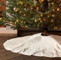 Italian Lustrous Velvet Tree Skirt