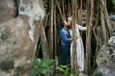 Cenote Trash The Dress. Photo by Naal Wedding Photography.