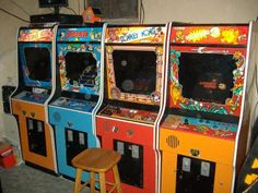 Vidiot Arcade: a great place for images of old arcade cabinets