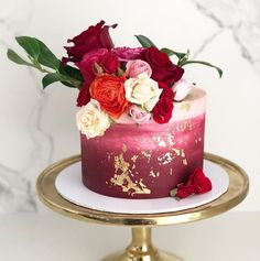 Cake Wedding One Tier Gold Ideas Pretty Cakes, Beautiful Cakes, Amazing Cakes, Gold Leaf Cakes, Gold Cake, Bolo Floral, 70th Birthday Cake, Fall Wedding Cakes, Little Cakes