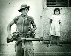 Salvadoran soldier and girl in Morazán- 1982 San Salvador, Latin America, South America, Salvadoran Civil War, South Of The Border, Latin Women, Central America, Tacoma 2017, Toyota Tacoma