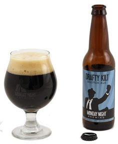 Cerveja Drafty Kilt Scotch Ale, estilo Scottish, produzida por Monday Night Brewing, Estados Unidos. 7.2% ABV de álcool.