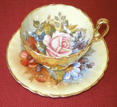 Tea Cup Set, My Cup Of Tea, Tea Cup Saucer, China Cups And Saucers, Teapots And Cups, Teacups, Vintage Cups, Vintage China, China Tea Sets