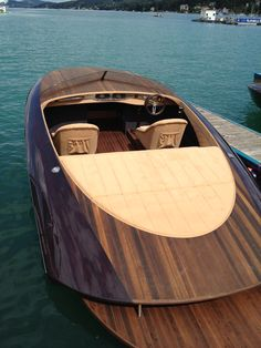 Kaiserboote Yacht Design, Boat Design, Wooden Speed Boats, Boat Pics, Classic Wooden Boats, Boat Painting, Yacht Interior, Boat Projects, Nautique
