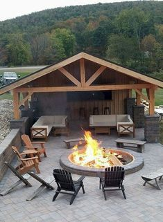 Covered outdoor patio with fire pit. Covered outdoor patio with fi. - Covered outdoor patio with fire pit. Covered outdoor patio with fi. Covered outdoor patio with fire pit. Covered outdoor patio with fire pit. Modern Outdoor Kitchen, Outdoor Kitchen Bars, Outdoor Spaces, Outdoor Living, Covered Outdoor Kitchens, Small Outdoor Kitchens, Outdoor Cooking Area, Patio Kitchen, Kitchen Floors