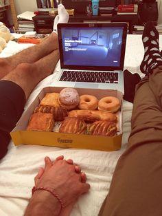 Viendo Netflix y volviéndonos obesos~