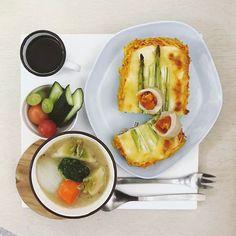 64 個讚,9 則留言 - Instagram 上的 s_s(@s_s_o_o_s_s_o_o):「 . goooooood morning Friday :-D))) . #goodmorning #morning #breakfast #yummy #goodfood #instafood… 」