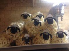Sheep popcorn for Eid ul Adha lolll Birthday Treats, Party Treats, Aid Adha, Eid Mubarek, Islamic Celebrations, Cadeau Surprise, Eid Crafts, Eid Party, Little Presents