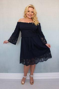 Sukienka Tonia. Przepiękna i niezwykle urocza sukienka, która niezaprzeczalnie wzbudzi zachwyt otoczenia. Połączenie wysokogatunkowego materiału i przepięknej gipiury daje zachwycający niespotykany efekt. Bardzo modny dekolt wykończony gumką pięknie podkreśli i wydłuży szyję. Sukienka jest odcinana w pasie i delikatnie przymarszczona gumką. Shoulder Dress, Dresses, Fashion, Vestidos, Moda, Fashion Styles, The Dress, Fasion, Dress