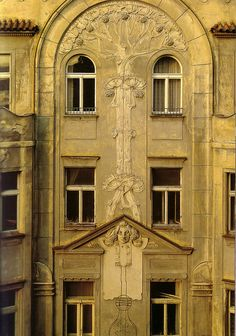 Osvald Polivka, apt bldg Hastalska 14, 1900-2. Source: Prague Fin de Siecle.