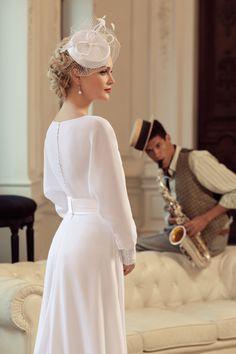 Magbridal Glamorous Chiffon Bateau Neckline Sheath Wedding Dress With Handmade Flowers - Welt der Hochzeit 2015 Wedding Dresses, Elegant Wedding Dress, Bridal Dresses, Wedding Gowns, Flower Girl Dresses, Dresses Dresses, Wedding Ceremony, Mulher Versus Moda, Lace Dress
