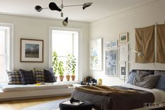 She co-founded Remodelista, one of America's most popular design websites, but when it came to designing her own Brooklyn townhouse, Francesca Connolly deferred to the experts