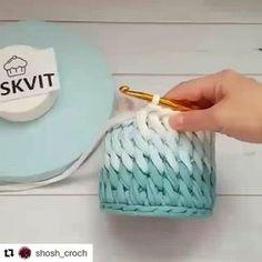 How to Finger Knit/Crochet with Loopity Loop and Bernat EZ yarn - Crochet Koala Crochet Bowl, Crochet Diy, Crochet Basket Pattern, Crochet Crafts, Yarn Crafts, Crochet Projects, Crochet Patterns, Crochet Storage, Crochet Baskets