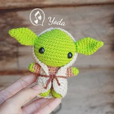 Yoda Starwars☺ 3.8 inch tall Pattern in english available at my etsy shop มีแพทเทิร์นไทยจำหน่าย #pattern#crochethandmade#cute#starwars #yoda#craft#amigurumi#crocheting