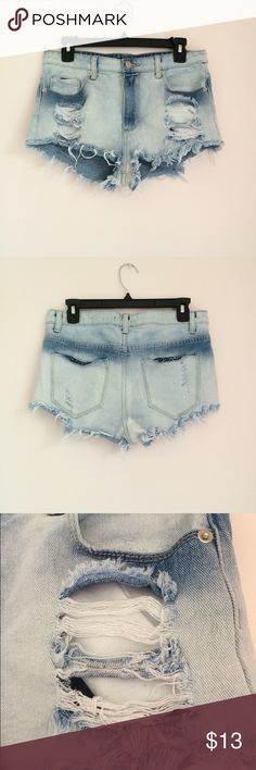 "Distressed denim shorts Forever 21 distressed denim/jean shorts. Size 27. Waist measures approximately 31"". Great condition 💕 Forever 21 Shorts Jean Shorts"