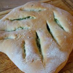 Dette lækre fougasse brød fra Provence er utroligt nemt lavet og perfekt som tilbehør til langt de fleste retter.