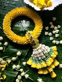 Floral Garland, Diy Garland, Flower Garlands, Flower Decorations, Wedding Decorations, Garland Ideas, Thai Decor, Floral Arrangements, Flower Arrangement