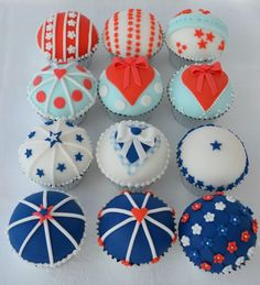 jubilee cupcakes - I can't wait to make my own version of jubliee inspired cupcakes. Better get designing now!