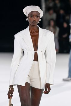 6 Things I Want to Buy in 2020 Thanks to the Jacquemus Show Trend Fashion, Fashion Week, Look Fashion, Runway Fashion, Fashion Show, Womens Fashion, Vogue Fashion, High Fashion Outfits, High Fashion Looks